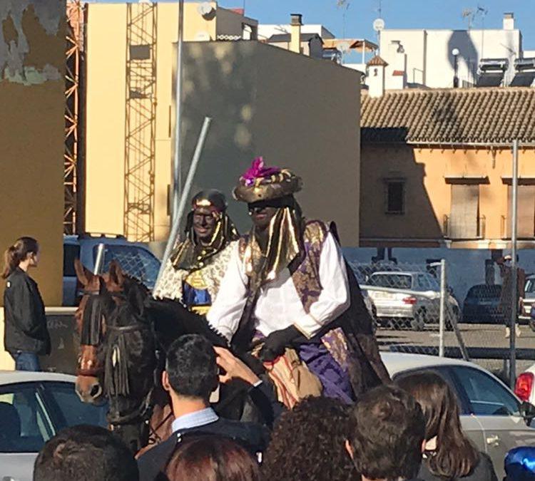 El Cartero Real derramó su alegría en la Hermandad de Los Gitanos.