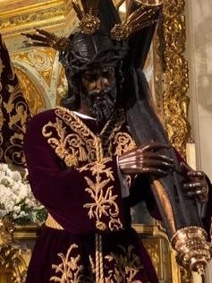 Atuendo de Nuestro Padre Jesús de la Salud y María Santísima de las Angustias en este mes de junio