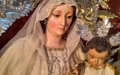 La Virgen del Valle vestida para la festividad de los Sagrados Corazones de Jesús y María