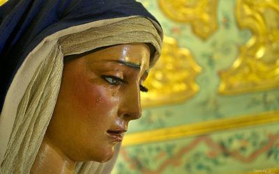 María Santísima de las Angustias amanece vestida de Hebrea