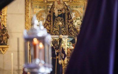 La Hermandad de Los Gitanos peregrina a la Parroquia de Santa Teresa para ganar el Jubileo del Gran Poder